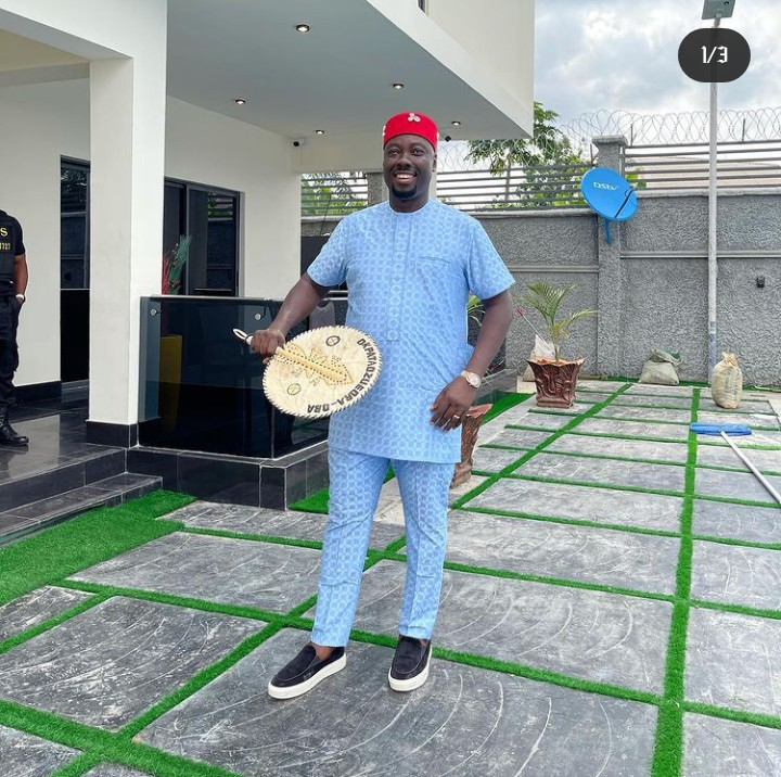 Obi Cubana Gets A Diamond Necklace Worth Over N40M Ahead Of His Mother's Burial (Pix) | Daily Scoop